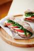 martin_auer_snacks_baguette caprese_960x1422